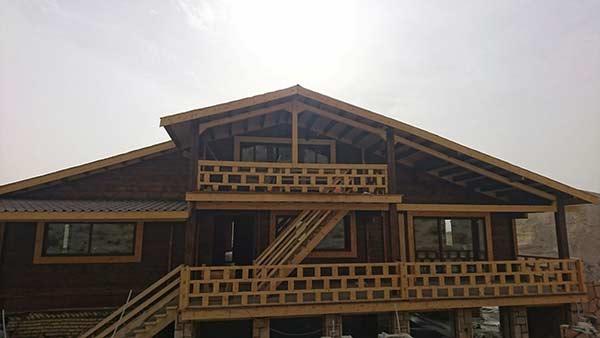 خانه چوبی با پنجره های آلومینیومی طرح چوب-لواسان